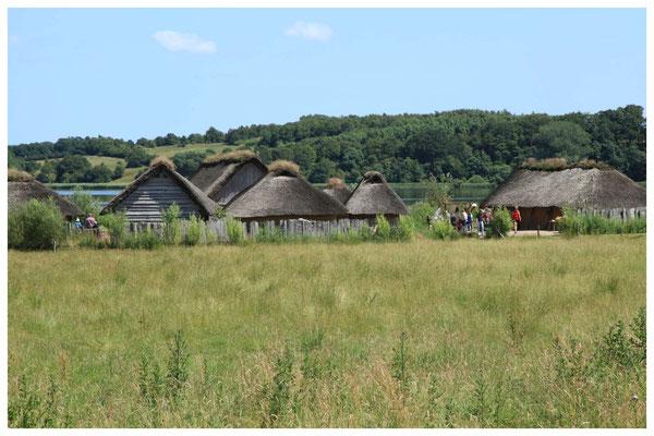 Urlaub an der Schlei - Haithabu - Wikingerhäuser ©Frank Vincentz  [CC BY-SA 2.0]