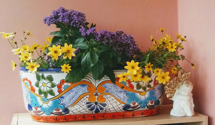 Blumenkasten bunt handbemalt