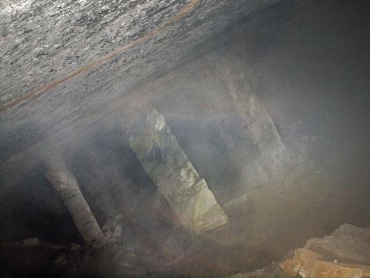 Cave di Saltrio nella nebbia