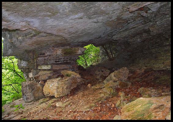 Valle del Bové: arco di roccia