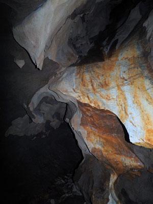 Caverna delle Streghe di Sambughetto: sezione fossile