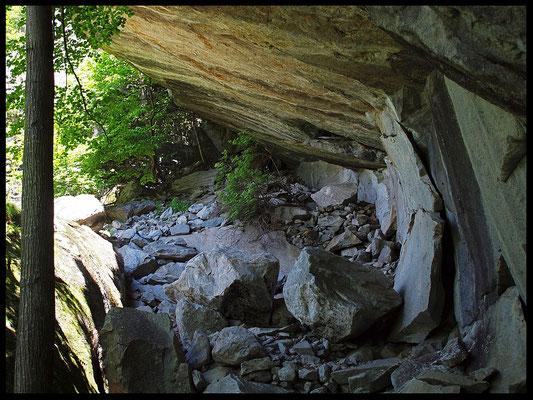 Banèta: uscita inferiore sotto la parete
