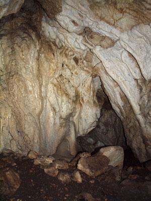 Grotta a NNE della Cava di Monte Monarco
