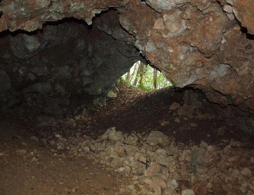 Grotta Sopra il Laghetto Cicogna