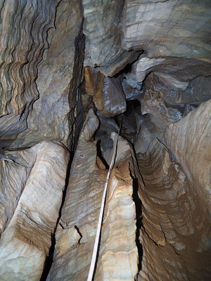 Pozzo degli Ontani, verticale disostruita