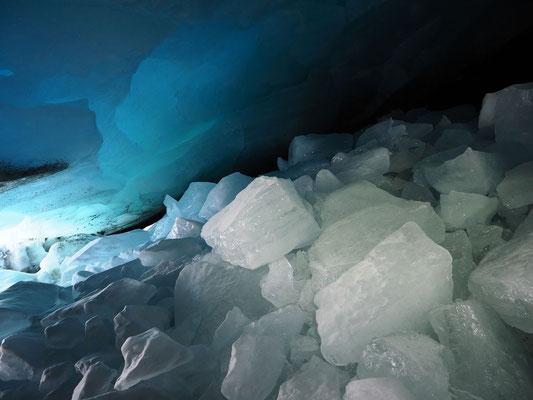 Adula: ghiacciaio Vadrecc di Bresciana, blocchi di ghiaccio