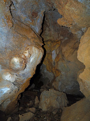 Grotta Presso l'Alpe Ravinella