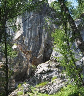 Quarta Grotta del Pizzo della Rossa: ingresso