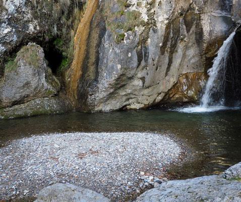 Grotta in Località Poncì
