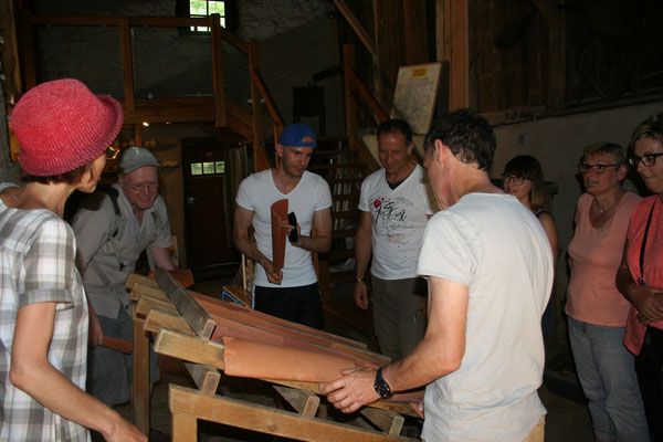 L'équipe du Parc réfléchit ensemble à l'élaboration du pan de toit