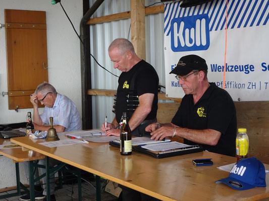 Werner Zberg eröffnet seine letzte GV als Präsident