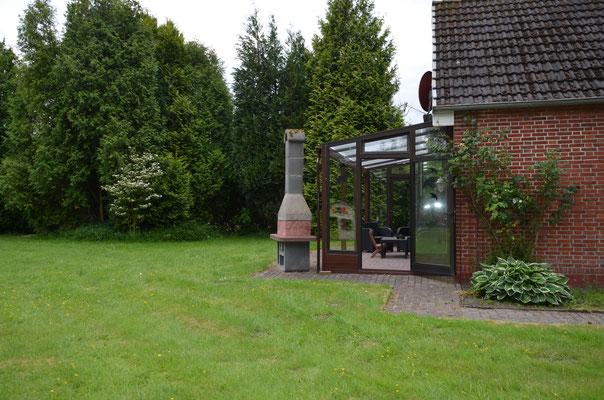 Terrasse mit Gartengrill