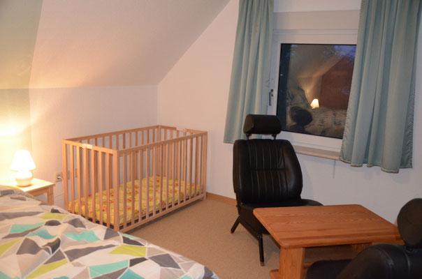 Kinderbett 1,20 m x 0,60 m (auf Wunsch)
