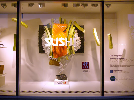 Zwilling, 2m hohe Sushi-Skulptur
