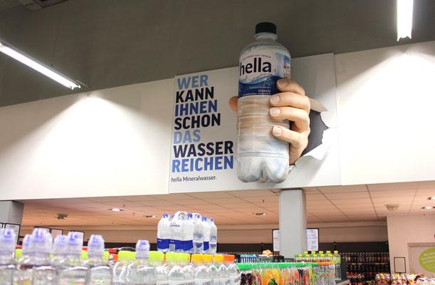 Hella, Wand-Installation bei Edeka