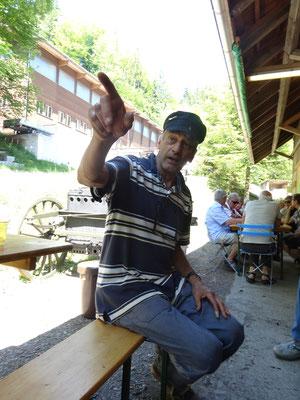 Klaus Bilang Eherenmitglied und stolzer Besitzer Don Camillo's