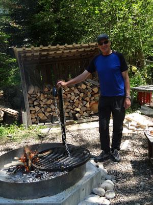 Die neue Feuerstelle mit Pollier Guido Rogenmoser