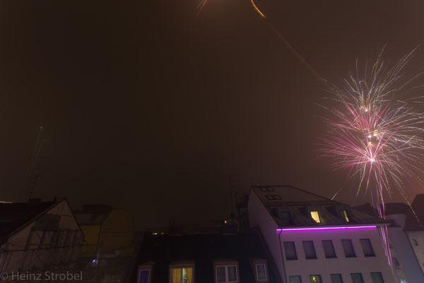 Im 6.Stock unseres Hotels konnten wir wunderbar das Feuerwerk in Augenhöhe beobachten!