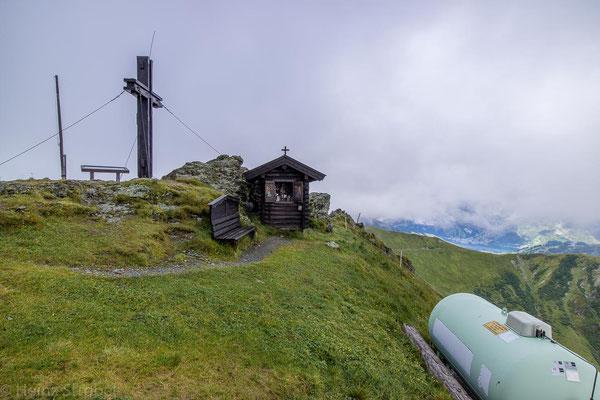 Das Gipfelkreuz vom Hundstein.
