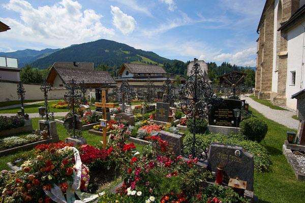 Dieser Friedhof steht unter Denkmalschutz.