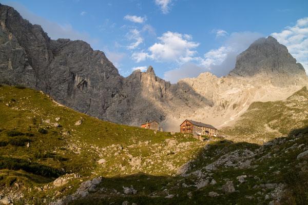 Wehmütiger Blick zurück, wir verlassen das Karwendelgebirge.