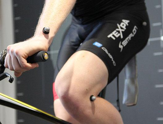 Ein optimal eingestelltes Fahrrad ermöglicht eine maximale Kraftübertragung auf die Pedale und verhindert Knieprobleme