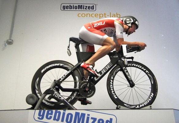 Triathleten brauchen eine andere Einstellung der Sitzposition als Zeitfahrer (Foto: gebioMized)