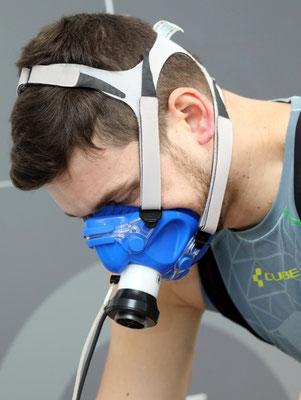 Ready to rumble: Triathlonprofi Franz Löschke vor einem Leistungstest (Foto: Rainer Kraus)