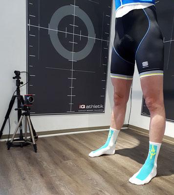 Diagnostik ohne Fahrrad: zum Beginn der Untersuchung wurden mit Jonas Leefmann Muskelfunktionstets durchgeführt