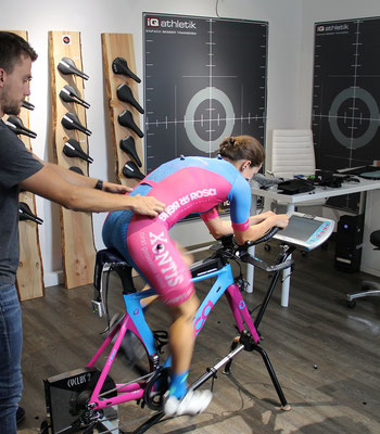Bei aller technischer Unterstützung ist besonders auch die Erfahrung des Bikefitters elementar, um die Sitzposition auf dem Rad optimal einzustellen