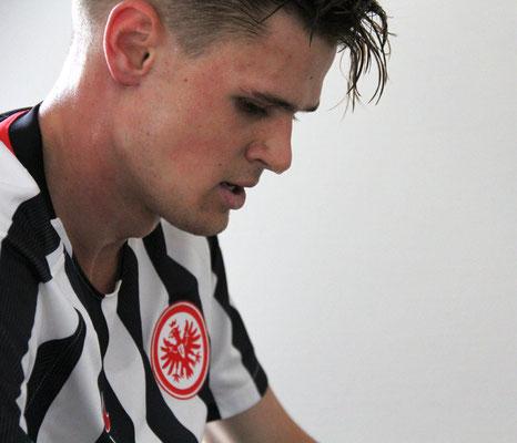 Leidenschaft, Schweiß und Adler auf der Brust: U19-Spieler von Eintracht Frankfurt nach absolvierter Leistungsdiagnostik