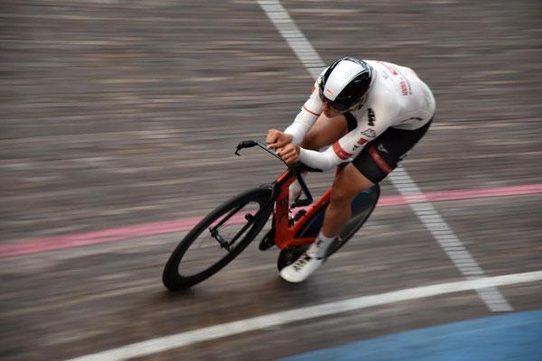 Ein gezieltes Bikefitting verbessert die Aerodynamik für Zeitfahrspezialisten im Radsport und Triathleten