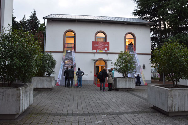 Der Alte Bahnhof Rödelheim von 1860 - wiederbelebt vom Trainingsinstitut iQ athletik