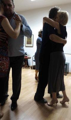 Die Praxis für Psychotherapie von Dipl.-Psych. Reimer Bierhals in Bamberg ist mit Tango eingeweiht worden - Ronda-Bild08