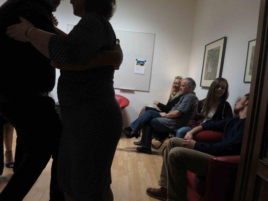 Die Praxis für Psychotherapie von Dipl.-Psych. Reimer Bierhals in Bamberg ist mit Tango eingeweiht worden - Ronda-Bild12