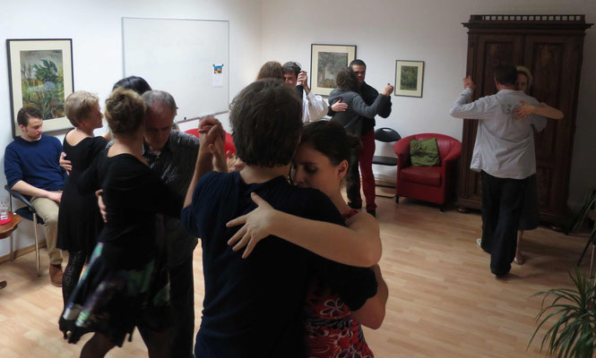 Die Praxis für Psychotherapie von Dipl.-Psych. Reimer Bierhals in Bamberg ist mit Tango eingeweiht worden - Ronda-Bild09