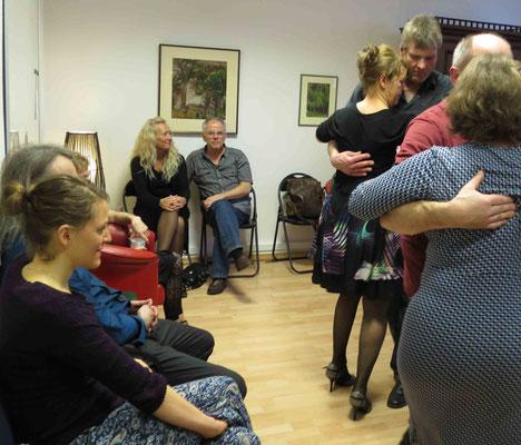 Die Praxis für Psychotherapie von Dipl.-Psych. Reimer Bierhals in Bamberg ist mit Tango eingeweiht worden - Ronda-Bild07