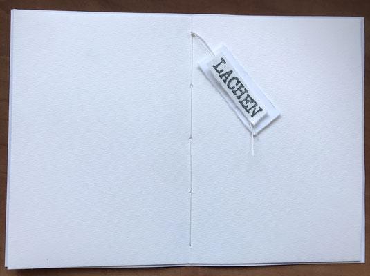 Knoten am Ende gesetzt - Fadenrest mit etwas verzieren oder abschneiden