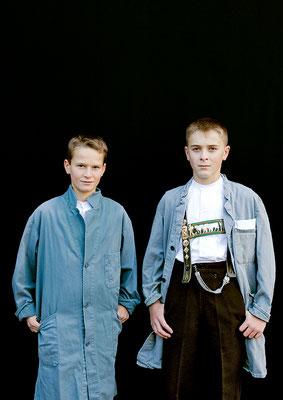 Jungs im Kittel, Appenzell, aus der Serie Brauchtum & Mensch, Schweiz 2016/2017, Swiss Photo Award 2017