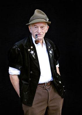 Mann in Tracht, Berner Oberland, aus der Serie Brauchtum & Mensch, Schweiz 2016/2017, Swiss Photo Award 2017