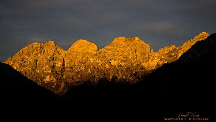 Sonnenuntergangsstimmung in den Stubaier Alpen.