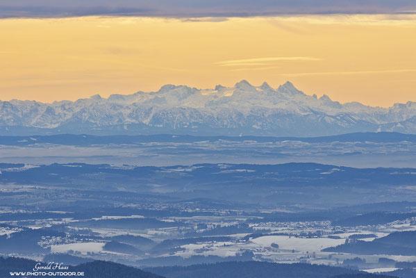Auch für Landschaftsfotografen ist die Canon EOS R gut geeignet: Ausblick vom Bayerischen Wald bis in die Alpen.