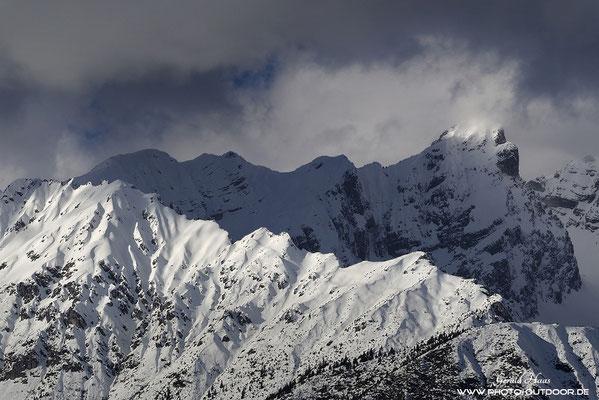 Für Touren in den Bergen bestens geeignet: Das geringe Gewicht der Olympus-Ausrüstung macht sich unterwegs  im tiefen Schnee wohltuend bemerkbar!