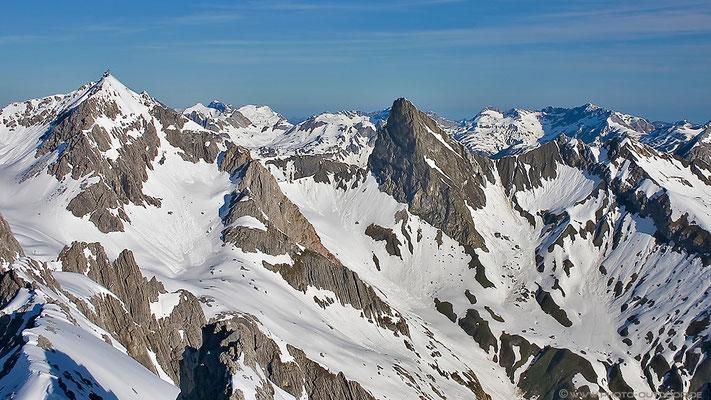 Ausblick von der Weißschrofenspitze/St. Anton