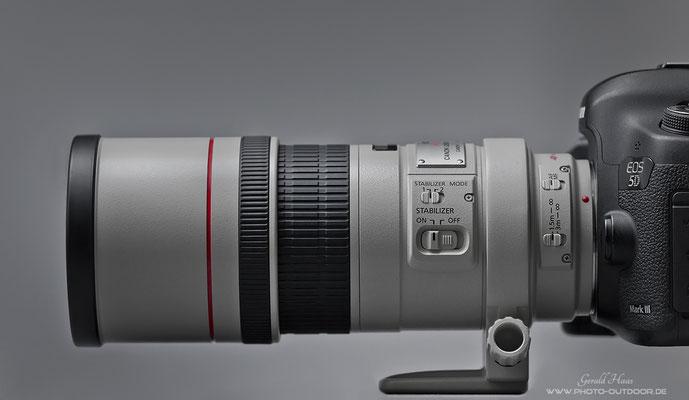 Das Canon EF 300mm f/4 L IS im klassischen Design der L-Serie von Canon.