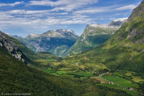 Hochebene über dem Geiranger-Fjord