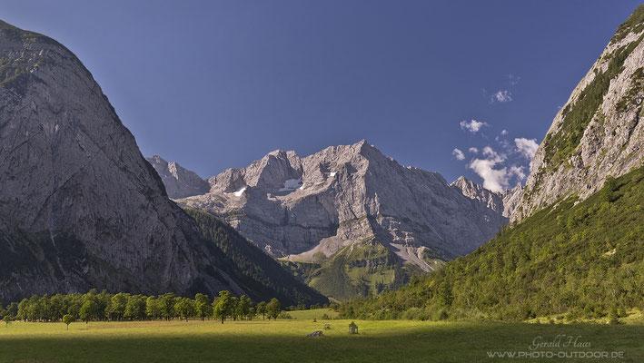 Beeindruckende Felswände im Karwendel.