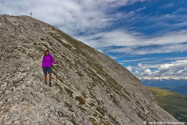 Der letzte Aufschwung zum Gipfel. Das Gelände ist deutlich steiler, als es hier am Photo scheint ;-)