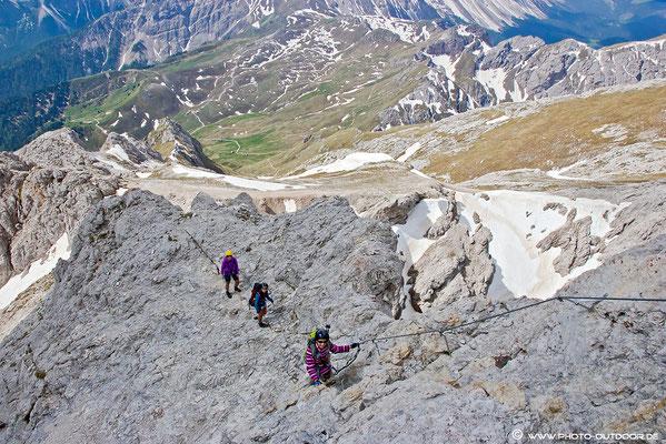 Klettersteig am Großen Peitler mit beeindruckendem Tiefblick.