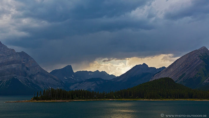 Regen am Lower Kananaskis Lake.